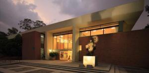 Biblioteca Dr. Jorge Villalobos Padilla, S.J.