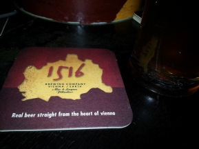 Cerveza en el Bar 1516, excelente lugar
