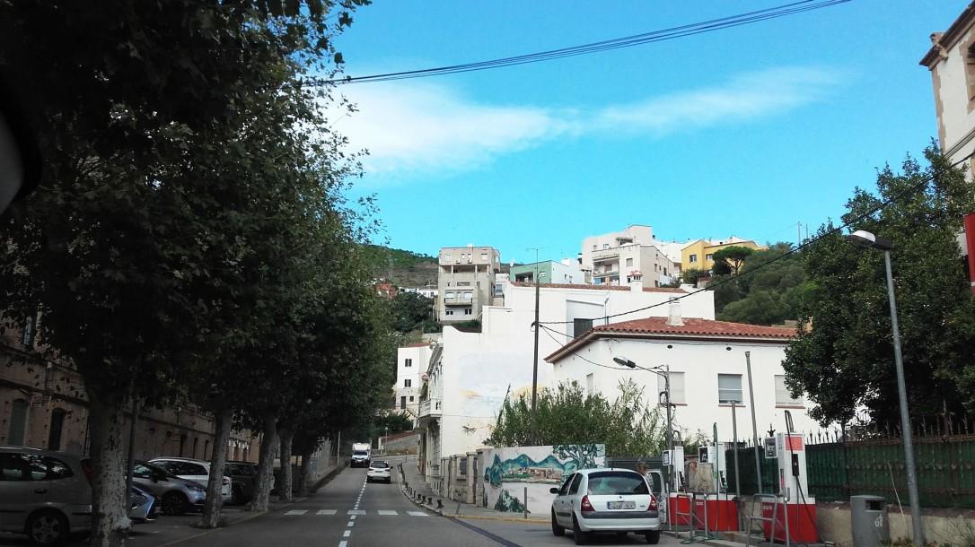 Carretera secundaria que atraviesa Portbou